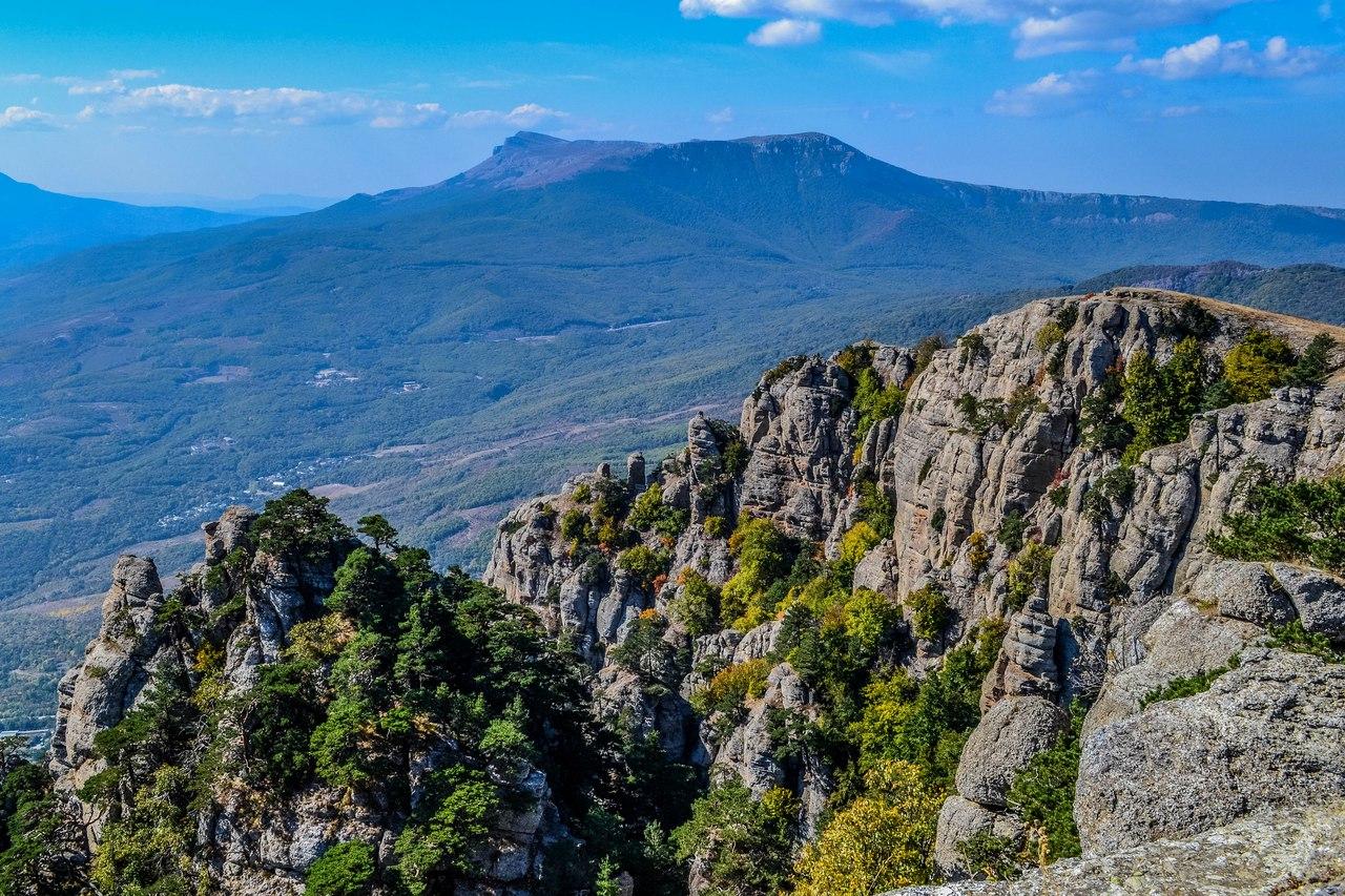 Чатырдаг - самая заметная гора Крыма